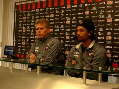 Paulo Autuori Atlético-PR Otávio (Foto: Monique Silva)
