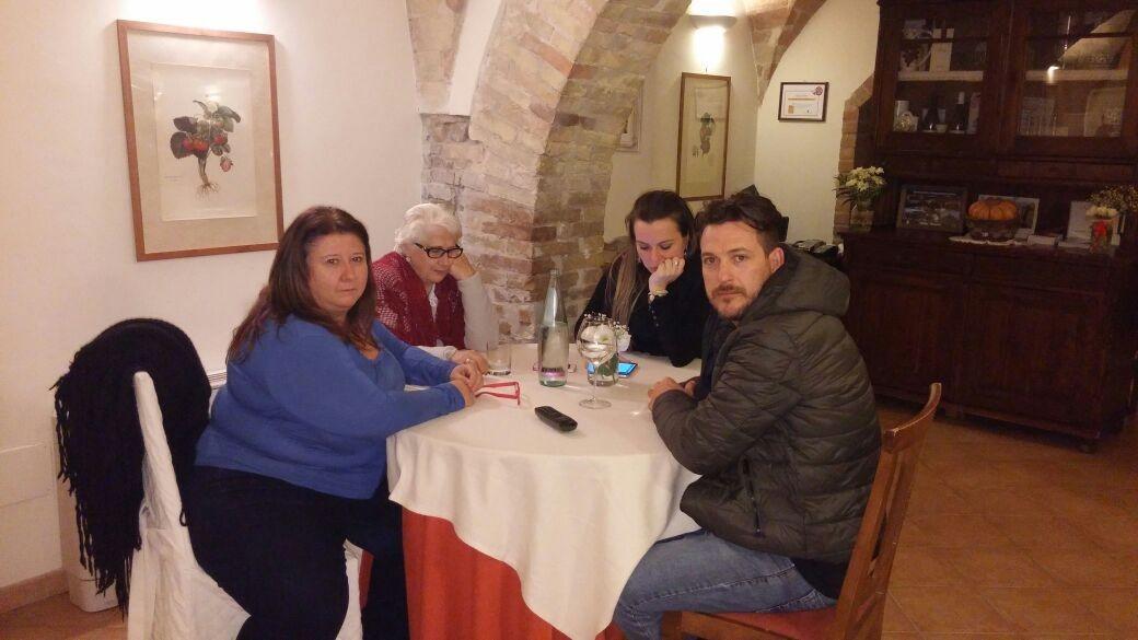Ubiratan Farias (direita) sentiu o tremor na Itália (Foto: Arquivo pessoal/Ubiratan Farias)
