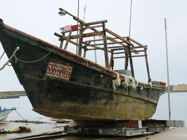 Alguns barcos chegaram sem tripulação, outros com corpos em decomposição (Foto: Kyodo News via AP)