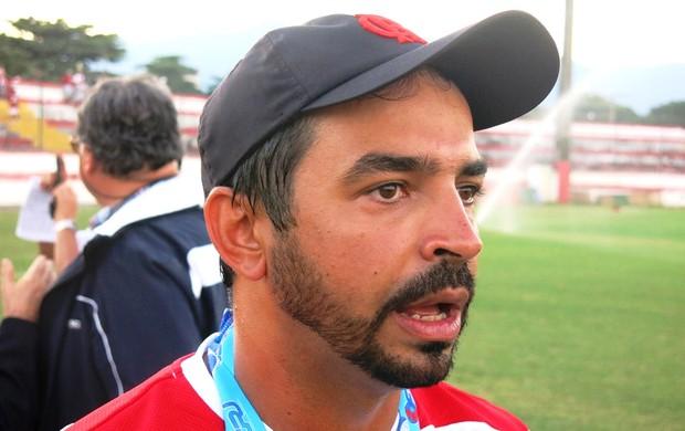 Cleber dos Santos técnico juniores Flamengo (Foto: Vicente Seda )