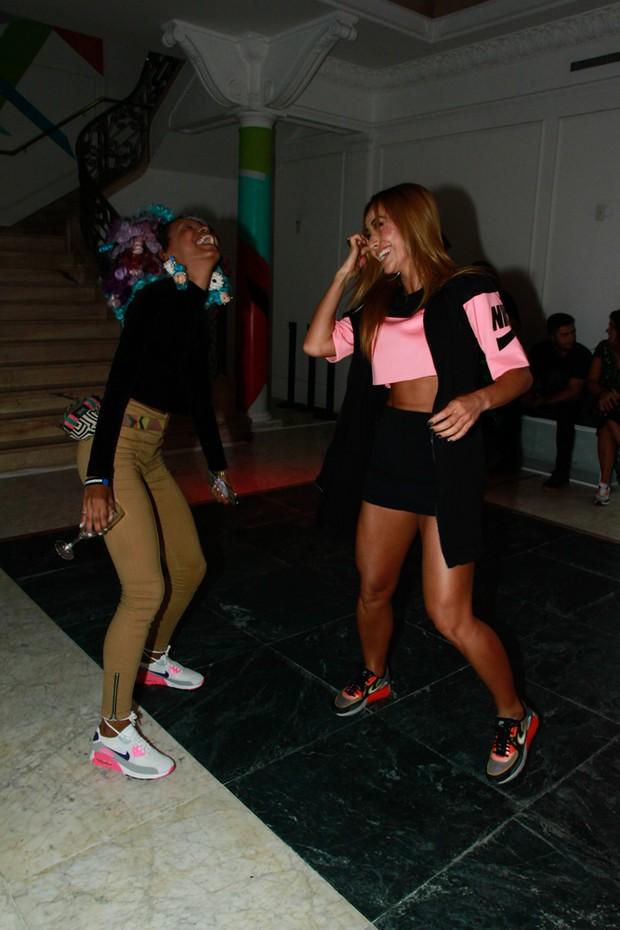Sabrina Sato dança em evento (Foto: Amauri Nehn/Brazil News)