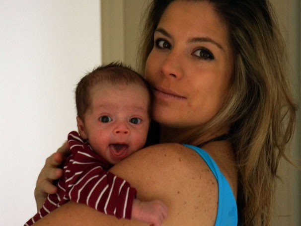 A apresentadora do Ação Mariane Salerno e sua filha Beatriz (Foto: Divulgação)