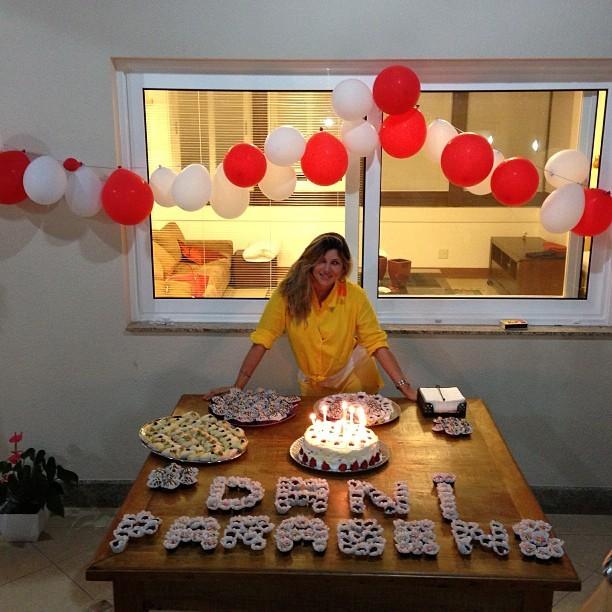 Suficiente EGO - Dani Souza comemora aniversário de 31 anos - notícias de Famosos LH25