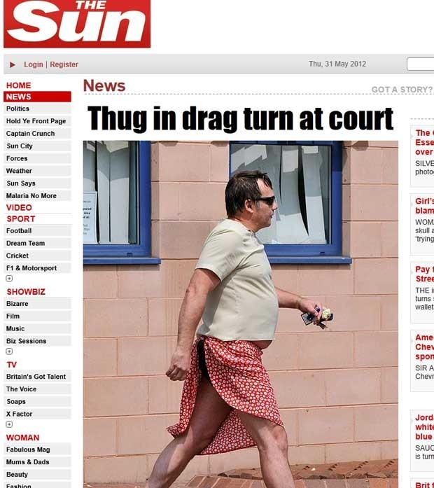 Impedido de entrar de shorts, David Jeffries-Tipton usou saia em tribunal. (Foto: Reprodução/The Sun)