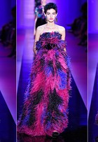 Giorgio Armani Privé desfila looks com pegada oitentista para coleção de alta-costura, em Paris
