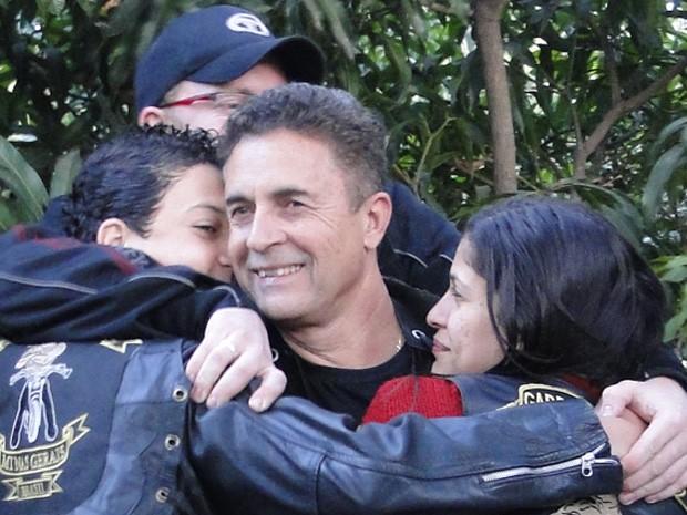 """""""Na verdade, a paixão mesmo é isso aqui, é estar junto"""", diz pai apaixonado por motocicletas (Foto: Raquel Freitas/ G1)"""
