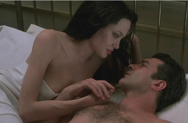 A atriz Angelina Jolie com Antonio Banderas (Foto: Divulgação)