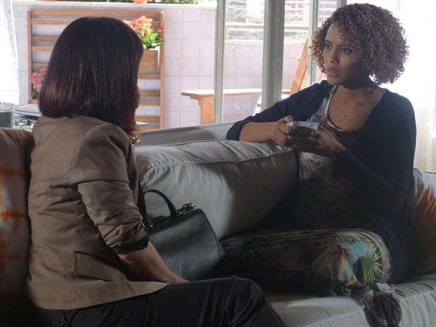 Verônica fica chocada com obsessão de Herval (Foto: Geração Brasil/TV Globo)