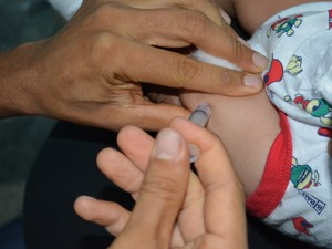 Campanha segue até o dia 31 de agosto e pretende atingir mais de 30 mil crianças (Foto: Mary Porfiro/G1)