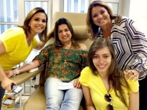 Equipe do Jornal do Almoço participou de ação de doação de sangue (Foto: Divulgação/RBS TV)