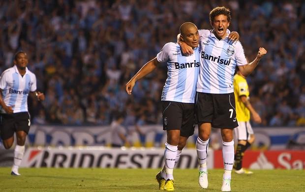 Elano comemora gol do Grêmio contra o Barcelona-Equ (Foto: Lucas Uebel / Site Oficial do Grêmio)