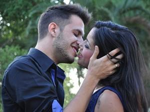 Casal já planeja casamento e oficializarão noivado em breve (Foto: Natália Clementin / G1)