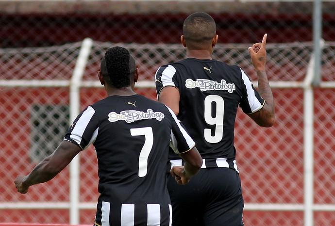 Bill gol Botafogo (Foto: Vitor Silva / SS Press)
