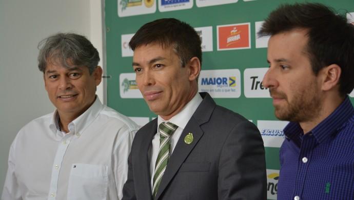 Marcelo Veiga, Horley Senna e Lucas Andrino no Guarani (Foto: Murilo Borges)