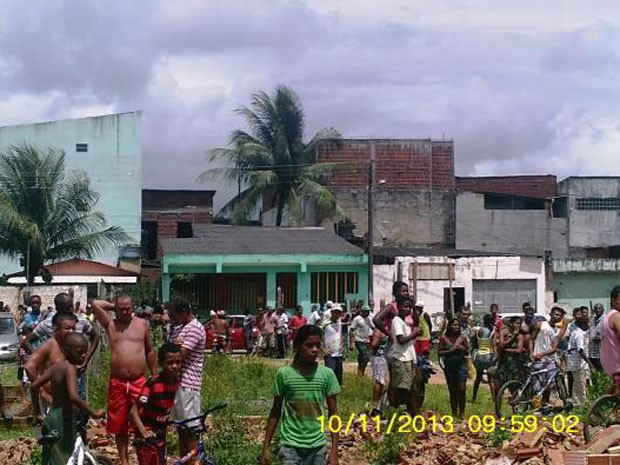 Mulher é resgatada na Bahia (Foto: Blog A Guilhotina)