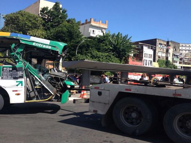 Trânsito da região não foi afetado pelo acidente (Foto: Rafael Teles/G1)