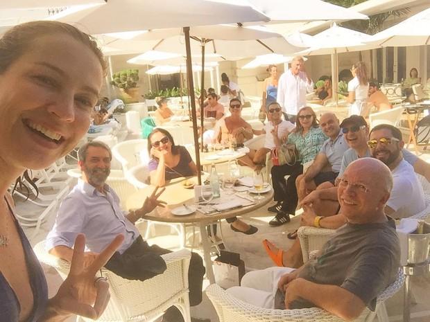 Luana Piovani com amigos e família (Foto: Reprodução/Instagram)