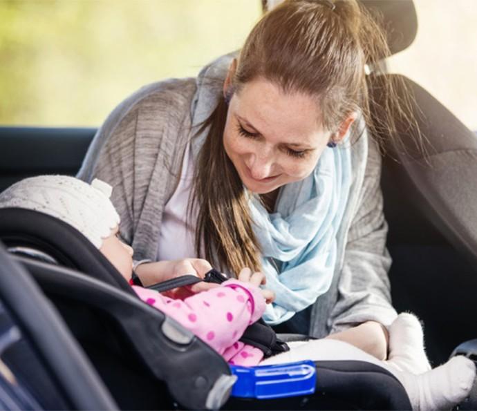 Lenços umedecidos são aliados dos pais durante as viagens  (Foto: Divulgação)