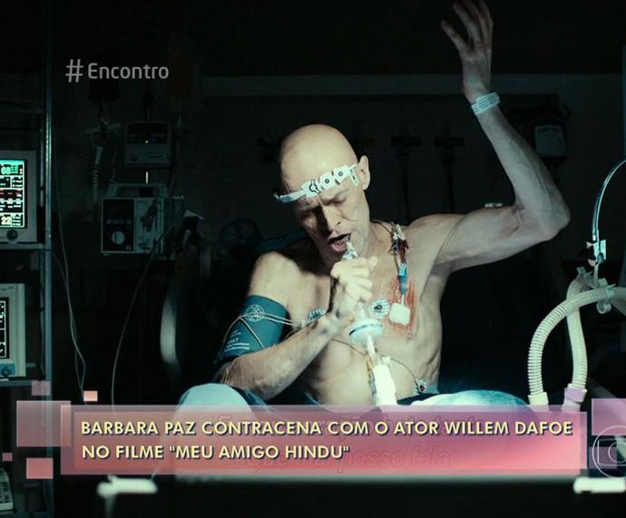 Willem Dafoe em cena no filme 'Meu amigo hindu' (Foto: TV Globo)