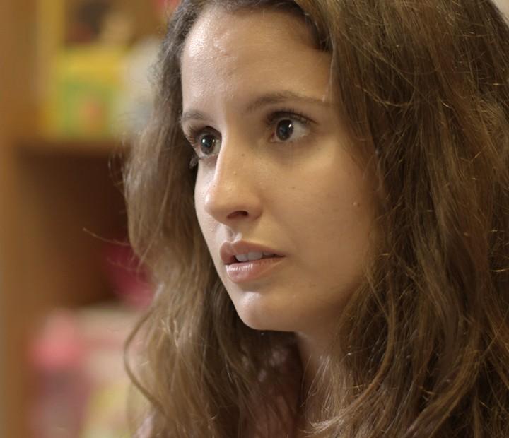 Nanda vai largar a escola por causa do trabalho (Foto: TV Globo)
