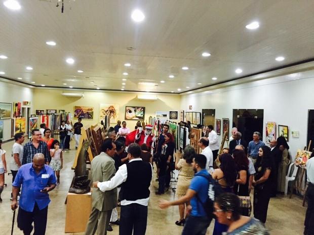 Exposição reúne e comercializa obras para ajudar Ijoma (Foto: Ijoma/Divulgação)