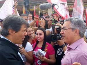 Alexandre Padilha, candidato ao governo do estado de São Paulo, com o prefeito da capital Fernando Haddad (Foto: Tatiana Santiago/G1)
