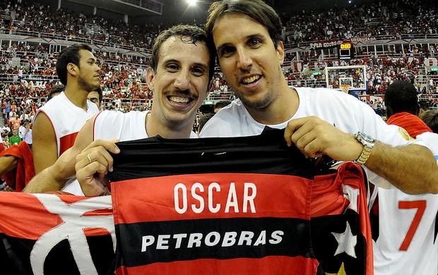 Basquete nbb Flamengo e Uberlândia final DUda e marcelinho homenagem Oscar (Foto: Alexandre Vidal / FlaImagem)
