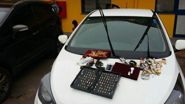 3d017c00a10 G1 - Presos em Canoas quatro suspeitos de roubo a joalheria em Santa ...