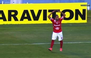 Antes barrado, Vandinho vibra com gol no fim e agradece torcida do Vila