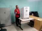 Jackson Barreto vota em Aracaju nesta manhã
