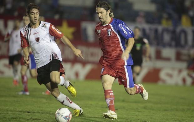 Guaratinguetá 0 x 0 Oeste duelam pela Série B (Foto: Fábio Rubinato/ AGF)