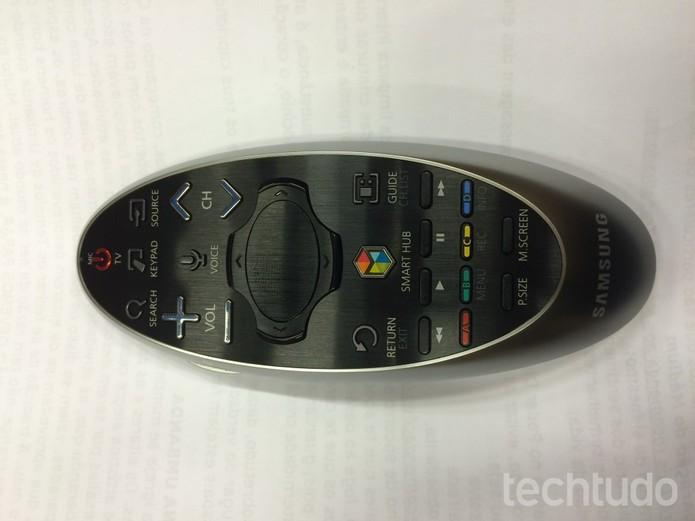 Controle remoto possui simplicidade e facilidade de navegação  (Foto: Reprodução/Marcelo Paiva)