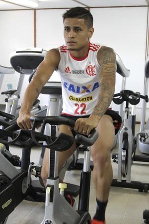 Everton treino do Flamengo no Ninho do Urubu (Foto: Gilvan de Souza / Flamengo)