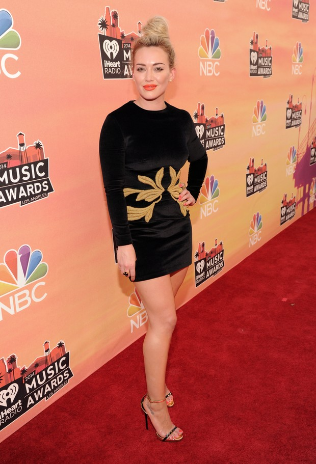 Hilary Duff no 'iHeartRadio Music Awards' (Foto: Kevin Mazur/Getty Images for Clear Channel))