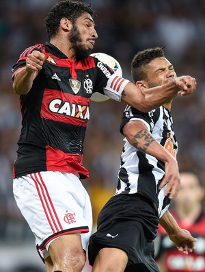 Wallace e Carlos Atlético-MG x Flamengo (Foto: Getty Images)