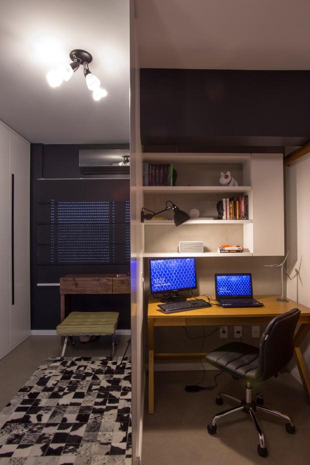 Adesivo Espelho Banheiro ~ Ap u00ea pequeno ganha modernidade com estilo industrial Casa e Jardim Casas e apartamentos