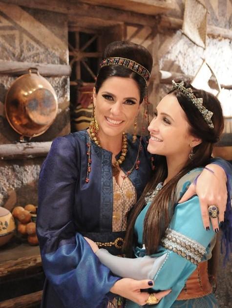 Rafaela Mandelli e Carla Diaz (Foto: Munir Chatack/ Record)