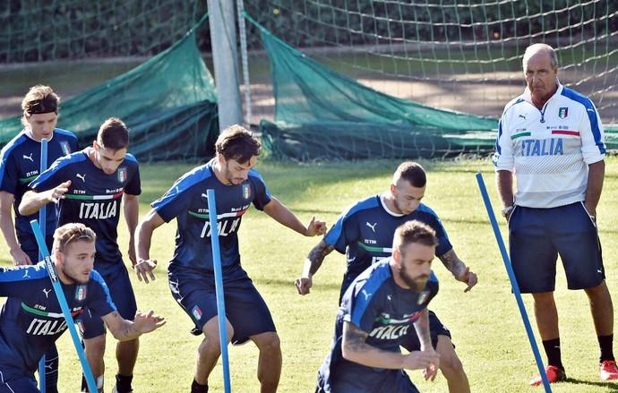 Giampiero Ventura Itália treino (Foto: Efe)