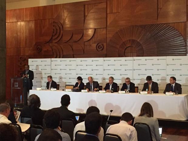 Diretores apresentam o plano de investimentos da Petrobras nesta terça-feira (20). (Foto: Henrique Coelho/G1)