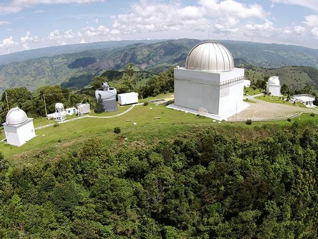 Concepção artística do telescópio que será instalado em Brazópolis, MG (Foto: Arquivo Pan EOS)