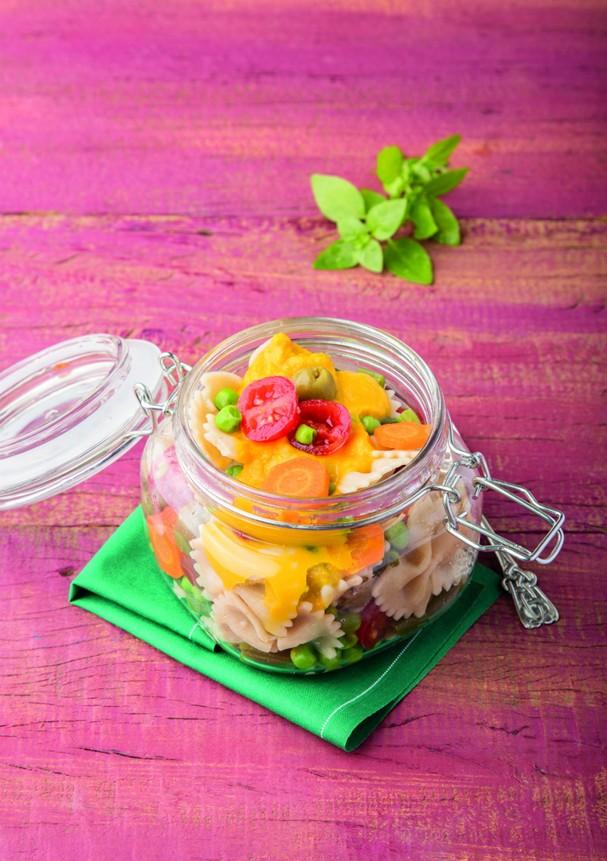 Salada de gravatinha com maionese de cenoura (Foto: Divulgação/Cesar Godoy)