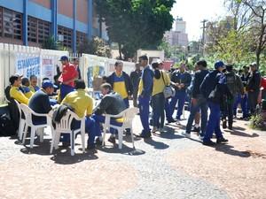 Greve dos funcionários dos Correios chega ao terceiro dia. (Foto: Tatiane Queiroz/G1 MS)