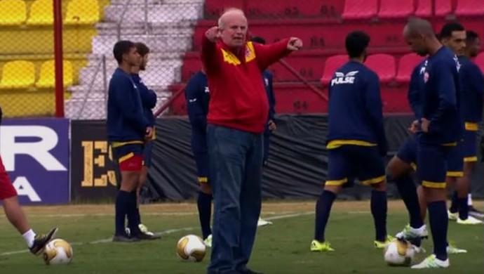 Mário Teixeira dá bronca em grupo do Audax no treino (Foto: Reprodução)