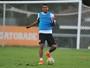 Sem Luiz Felipe, Santos treina com David Braz para enfrentar o Santa Cruz