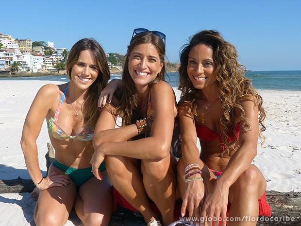 Juíza! Depois de jogo as três posam juntinhas (Foto: Flor do Caribe / TV Globo)