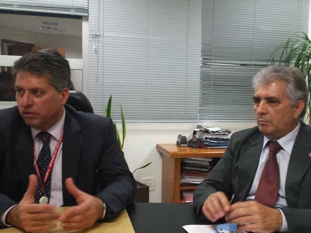 Procuradores Geraldo Emediato de Souza (à esq) e José Pedro dos Reis (Foto: Thais Pimentel/G1)