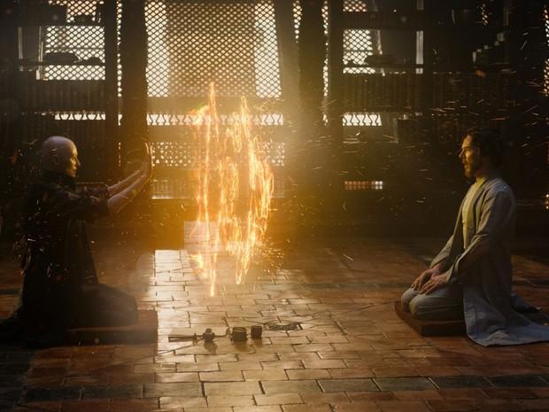 Tilda Swinton e Benedict Cumberbatch em cena de 'Doutor Estranho' (Foto: Divulgação/Marvel)