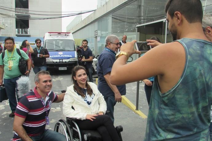 Lais Souza visita paddock de Interlagos, stock Car (Foto: Felipe Siqueira)