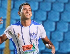 Rogério foi o artilheiro do Viana, com 13 gols marcados (Foto: De Jesus/O Estado)