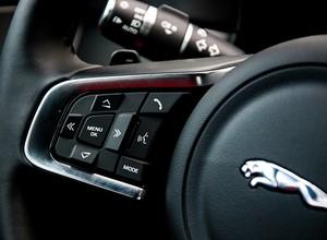 Jaguar XF (Foto: Divulgação)